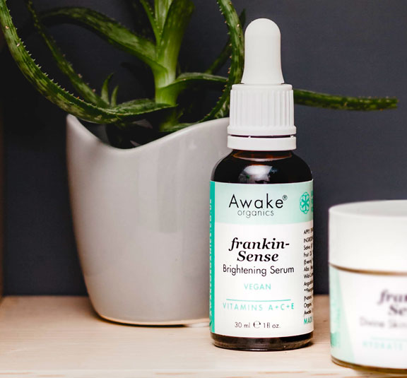 frankincense brightening | natural vegan face serum | UK | cruelty free | paraben free | dry | mature skin | awake organics | natural skin care brand UK | lifestyle image